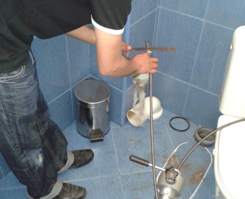 отпушване на тоалетна русе